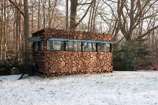 กระท่อมไม้
