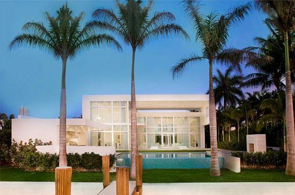 แบบบ้านสองชั้น สีขาว