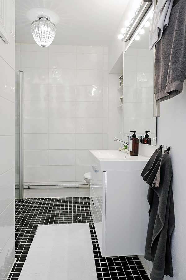 ตู้เก็บของ ในห้องน้ำ สีขาว สไตล์วินเทจ