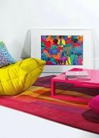 พรมปูพื้นห้องนั่งเล่น สีสันสดใส