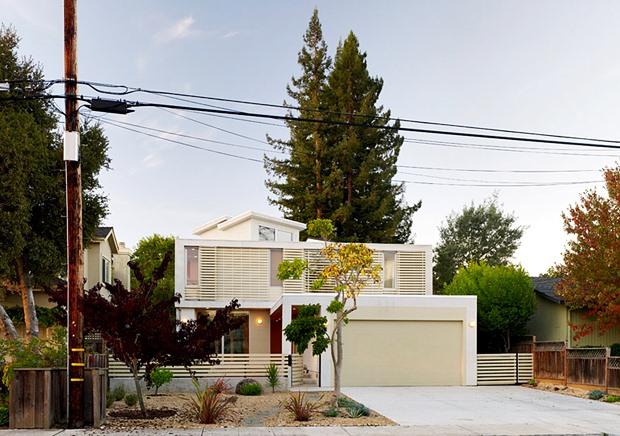 แบบบ้าน Eco Home สีขาว ประหยัดพลังงาน แผงโซล่าเซลล์