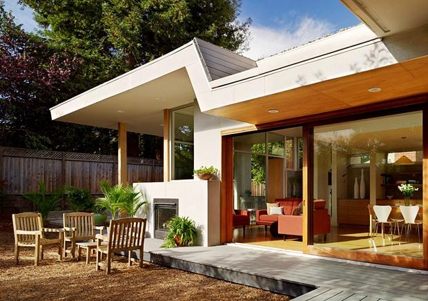 จัดสวนหน้าบ้าน สไตล์โมเดิร์น รั้วระแนงไม้