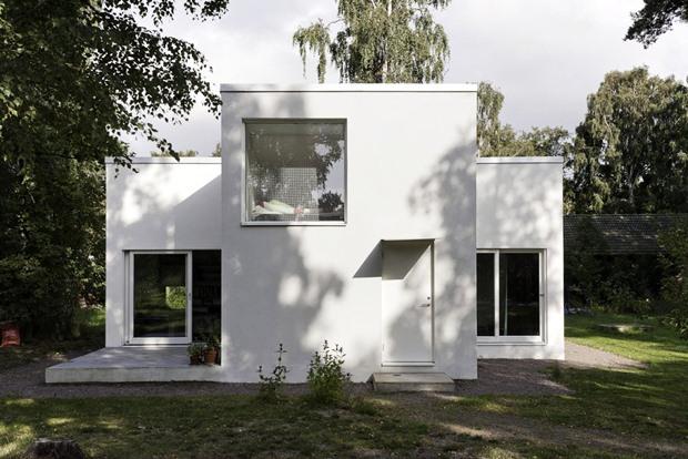 แบบบ้านปูนหลังเล็ก สีขาว