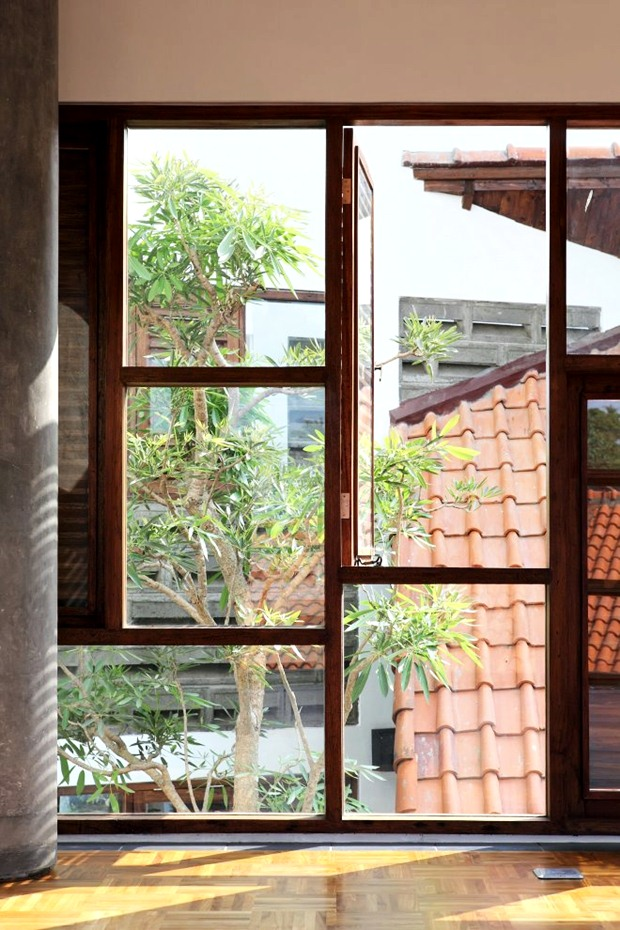 แบบบานหน้าต่าง หน้าต่างไม้