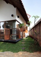 สร้างบ้านใหม่ ป้องกันน้ำท่วม