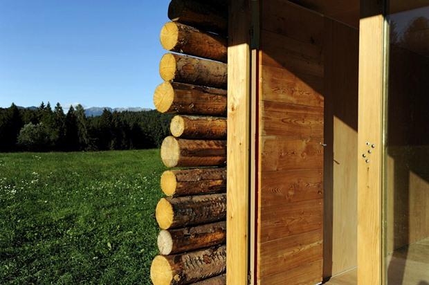 สร้างบ้านด้วยไม้ทั้งหลัง