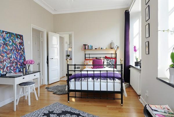 เตียงเหล็กขนาดเล็ก ตกแต่งห้องนอนใน Condo