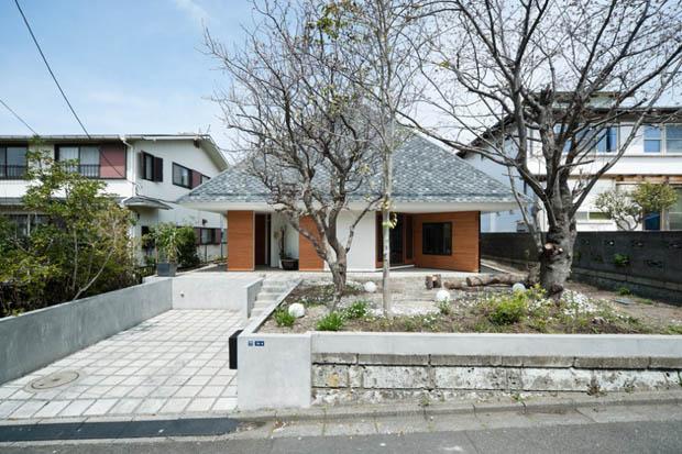 แบบบ้านหลังเล็กๆ สไตล์ เกาหลี ทรงหลังคาปั้นหยา