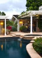 แบบสระว่ายน้ำ ภายในบ้าน พร้อมการจัดสวนริมสระน้ำ