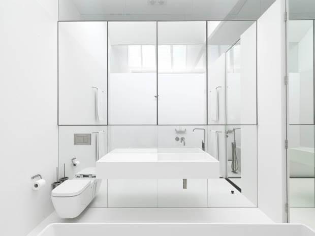 แบบห้องน้ำ Home Office สีขาว สไตล์โมเดิร์น