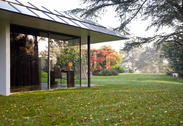 บ้านกระจก ชั้นเดียว ออกแบบสไตล์โมเดิร์น