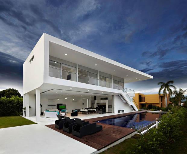 ข้อดี ข้อเสีย สร้างสระว่ายน้ำ ในบ้าน