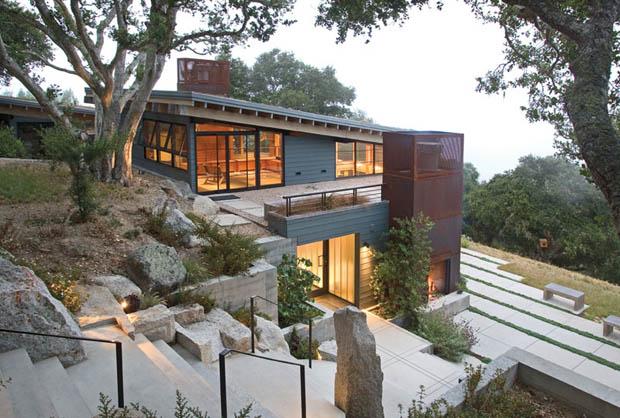 การสร้างบ้านบนภูเขา พื้นที่ลาดเอียง