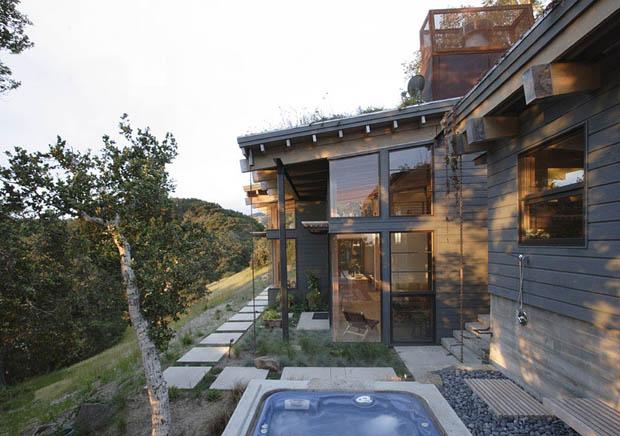 Modern Tropical Home Design