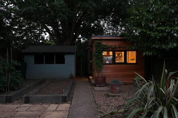 บ้านไม้หลังเล็ก สร้างเป็น Home Office ภายในสวน