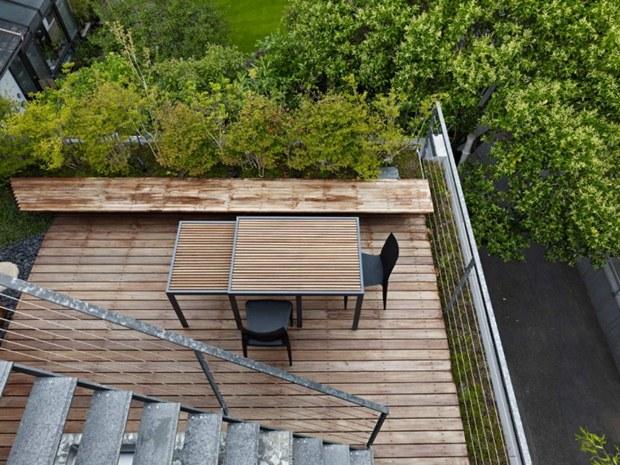 การจัดสวนนั่งเล่นบนอาคาร แบบสวนระเบียงคอนโด