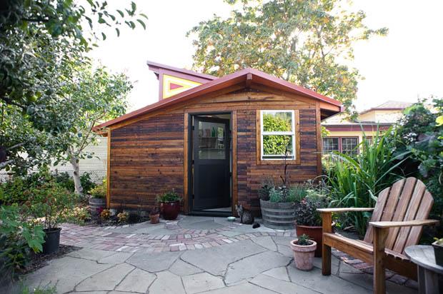 แบบบ้านไม้หลังเล็กๆ ชั้นเดียว