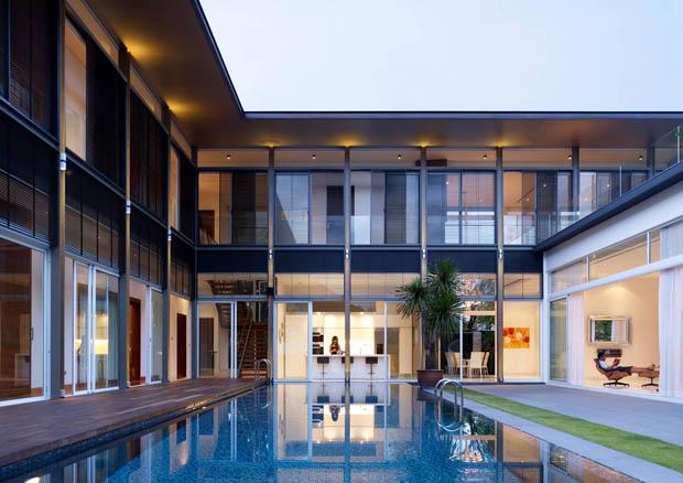 ไอเดียสร้างสระว่ายน้ำไว้ภายในบ้าน