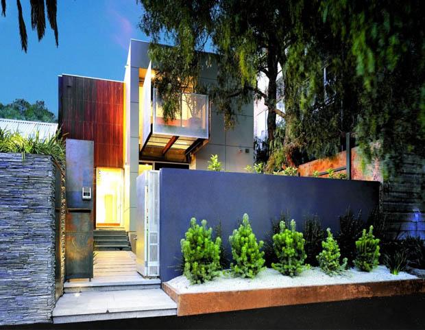 ไอเดียจัดสวนหย่อมขนาดเล็ก ริมรั้วหน้าบ้าน