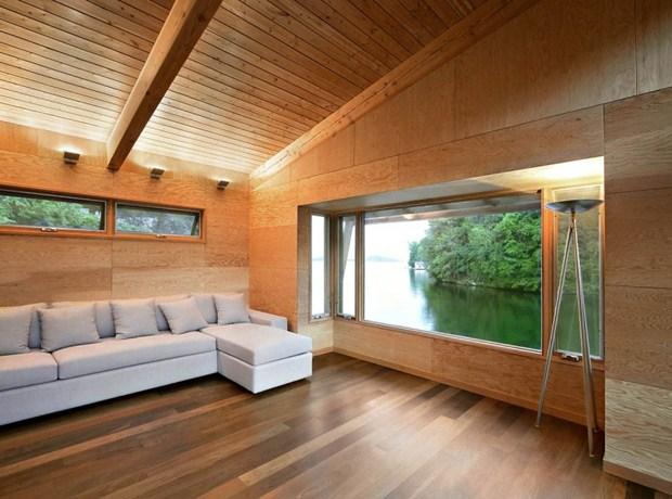 ตกแต่งห้องรับแขก ภายในบ้านไม้ เปิดช่องหน้าต่างชมวิว