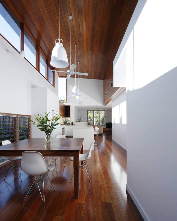 ตกแต่งบ้านสีขาว ตัดกับพื้นไม้