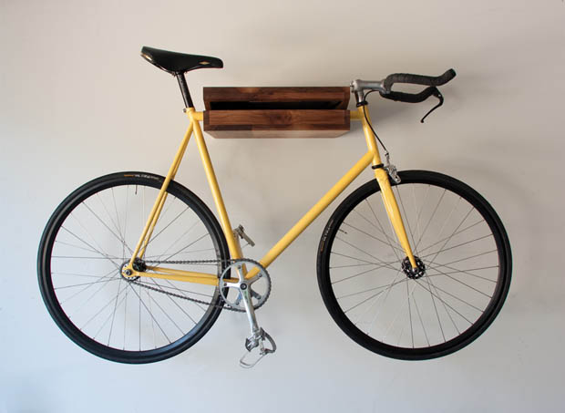 อุปกรณ์แขวนรถจักรยาน ติดผนัง ทำด้วยไม้