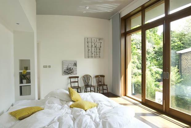แบบห้องนอน มีระเบียงไม้หน้าห้อง
