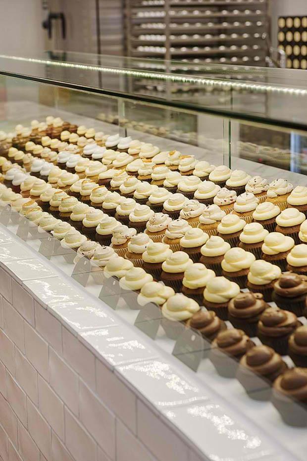 ตู้จัดเรียงขนมเบเกอรี่ ขนมเค้ก