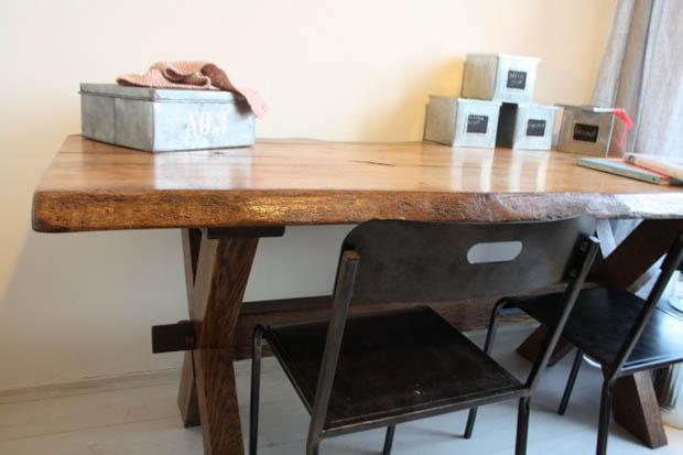 โต๊ะทำงาน ทำจากไม้จริง ไม้เนื้อแข็ง