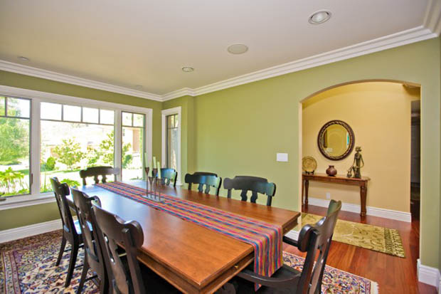 แบบห้องรับประทานอาหาร โต๊ะยาวๆ