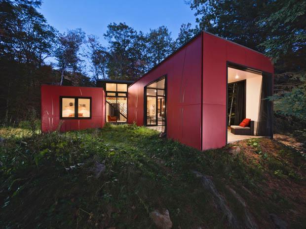บ้านสไตล์โมเดิร์น สีแดง