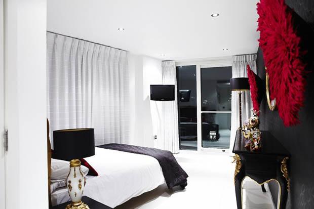 ห้องนอนสีขาวดำ