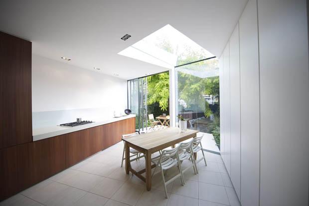 เพดานบ้าน เปิดช่องรับแสง ติดกระจกใส