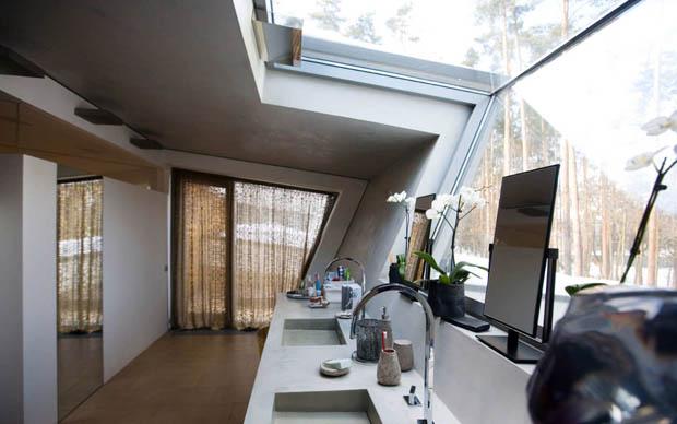 ห้องครัวเปิดโล่ง รับแสงจากภายนอก