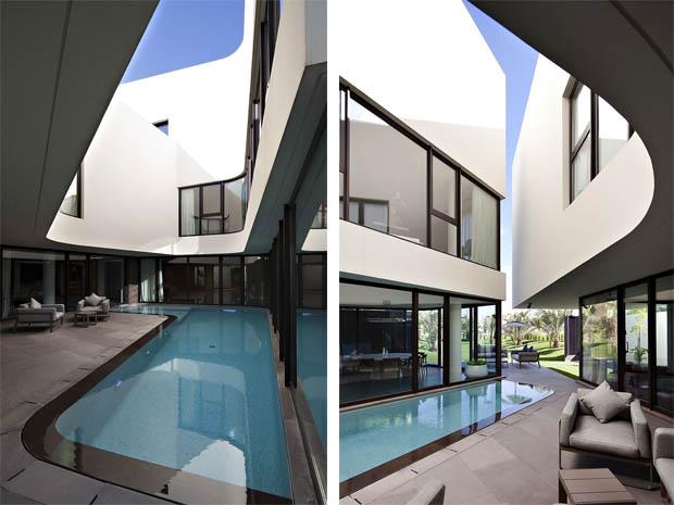 แบบสระว่ายน้ำ กลางบ้าน
