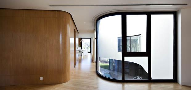 กระจกบานโค้ง แต่งบ้านสวย