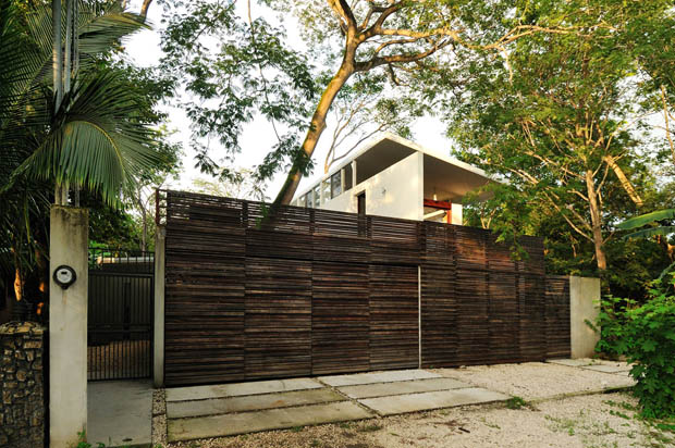 แบบประตูไม้ รั้วหน้าบ้าน