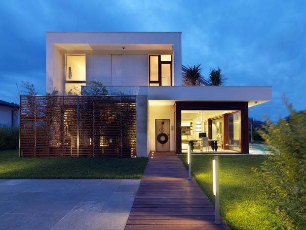 for Fachadas de casas modernas en italia