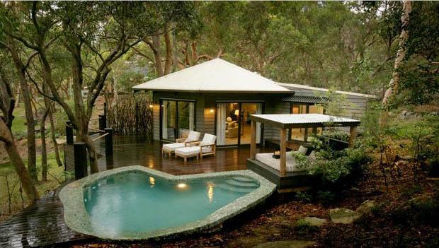 แบบบ้านหลังเล็ก มีสระว่ายน้ำ ศาลาพักผ่อน