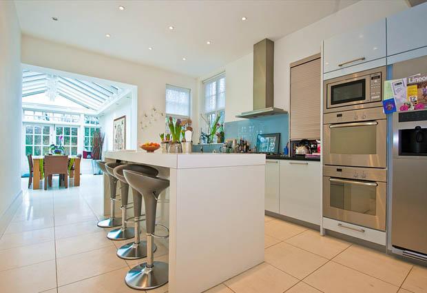 แบบห้องครัวสำเร็จรูป ชั้นตู้ในห้องครัว