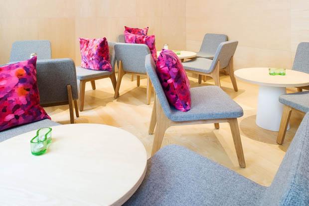 เก้าอี้เกาหลี โต๊ะสวยๆ ร้านกาแฟ