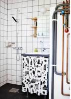 ห้องน้ำเล็กๆ ปูกระเบื้องผนังห้องน้ำ