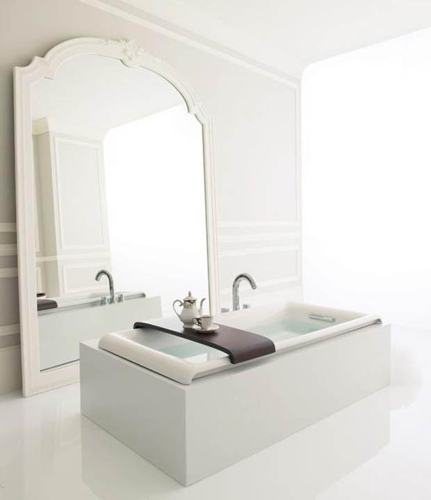 อ่างอาบน้ำสีขาว