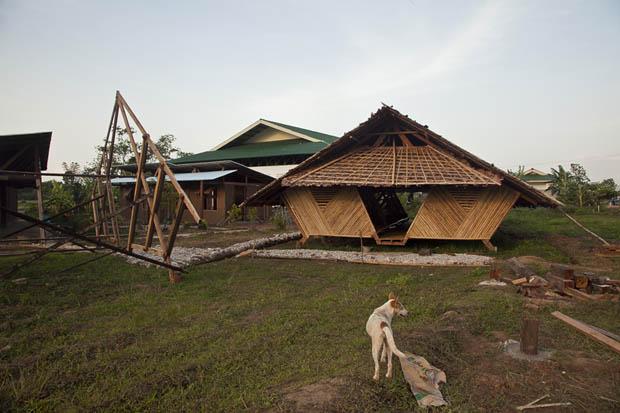 บ้านเรือนไทย ECO