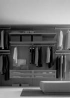 ตู้เสื้อผ้าติดผนัง