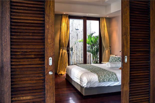 ประตูห้องนอน ประตูไม้แท้