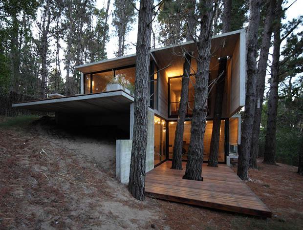 สร้างบ้านแบบไม่ตัดต้นไม้รอบข้าง