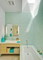แบบห้องน้ำ กระเบื้องสีเขียวอ่อน ขาว