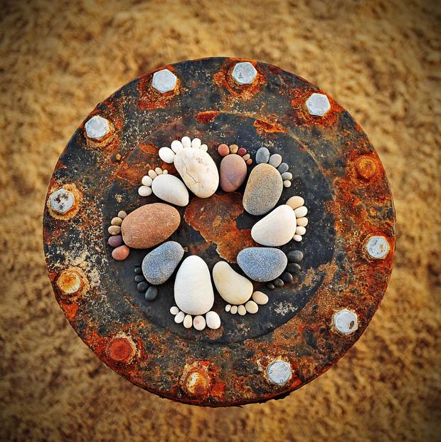 จัดวางหินให้เป็นรูปต่างๆ