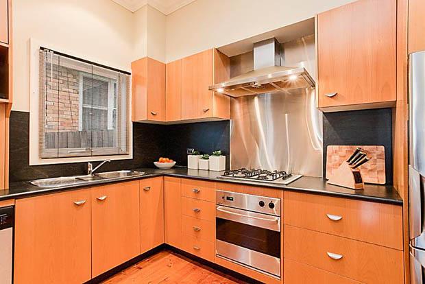 บิลท์อินห้องครัว ติดตั้งปล่องระบายควันอาหาร